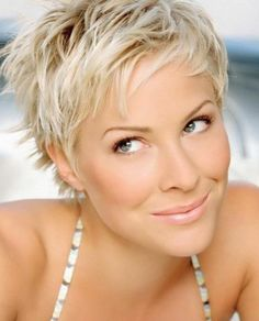 23 Short Layered Haircuts Ideas for Women - PoPular Haircuts Very Short Hair, Short Hair With Layers, Short Hair Cuts, Short Hair Styles, Short Pixie, Messy Pixie Cuts, Short Layered Haircuts, Short Hairstyles For Women, Layered Hairstyles