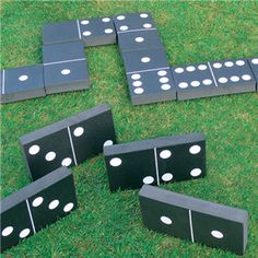 Kingfishers giant garden party dominoes game set pack