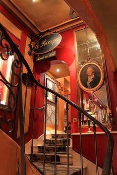 Café Procope - Oldest cafe in Paris