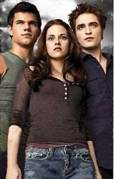 Taylor Lautner, Kristen Stewart And Robert Pattinson as Jacob Of The Stephenie Meyer's The Twilight Saga. Twilight Jacob, The Twilight Saga Eclipse, Twilight Saga Series, Twilight Edward, Twilight Cast, Twilight Series, Twilight Movie, Kristen Stewart, Twilight Quotes