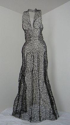 Kristine Mays 'round midnight Chicken Wire Art, Recycled Dress, Mannequin Art, Sculptural Fashion, Fashion Art, Fashion Design, Frocks, Wearable Art, Making Ideas