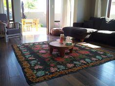 kelim met bloemen uit moldavie. Black Bedroom Furniture Sets. Home Design Ideas