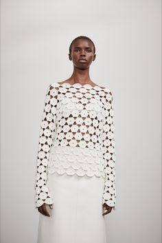 Theory Spring 2020 Ready-to-Wear Fashion Show - Vogue 2020 Fashion Trends, Fashion 2020, Fashion Show, Paris Fashion, Runway Fashion, Fashion Weeks, Woman Fashion, Mode Crochet, Crochet Top