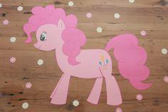 Verjaardagstafel met Tafelziel. Voor de My Little Pony fans. Pinkie Pie de feestpony. www.tafelziel.nl