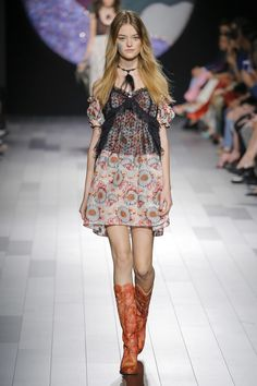 Anna Sui Spring 2018 Ready-to-Wear Undefined Photos - Vogue