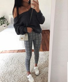 Classy outfit idea to copy ♥ For more inspiration join our group Amazing Things ♥ You might also like these related products: - Jeans ->. Uni Outfits, Teenager Outfits, Winter Fashion Outfits, College Outfits, Mode Outfits, Cute Casual Outfits, Stylish Outfits, Fall Outfits, Autumn Fashion