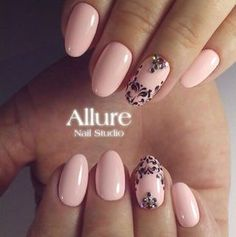 Accurate nails, Birthday nails, Evening nails, Festive nails, Nail designs with pattern, Oval nails, Pale pink nails, Pastel nails