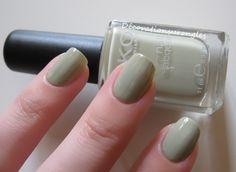 swatch nail polish kiko green