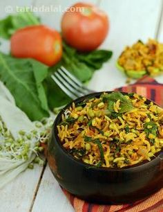 Tomato rice, a spicy and tangy rice preparation that is best suited to pack in the lunch box. I have used minimum amount of oil and coconut which is otherwise used in abundance in south indian cooking as excess consumption of fats causes obesity and other related diseases like diabetes, heart ailments including rapid advancement of ageing. Risotto Recipes, Rice Recipes, Indian Food Recipes, Vegetarian Recipes, Dinner Recipes, Healthy Recipes, Vegetarian Curry, Indian Snacks, Kitchens