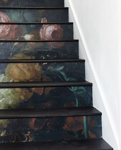 Diy To Try Stunning Floral Staircase In Diy Home - Diy To Try Stunning Floral Staircase April Floral Staircase Diy Bohemian Decor Farmhouse Decor Courtesy Of Old Home Love For The House That Lars Built Staircase Diy Staircase Decoration Stair Boho Home, Staircase Design, Staircase Ideas, Dark Staircase, Spiral Staircases, My New Room, Stairways, Old Houses, My Dream Home