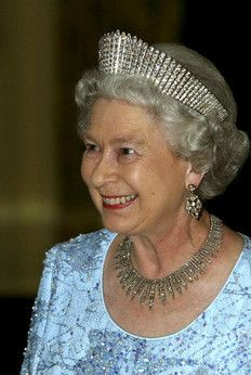 HM Queen Elizabeth II wearing Queen Alexandra's Kokoshnik tiara and the London Fringe Necklace together. (Note the symmetrical spikes of the Kokoshnik tiara).