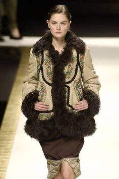 Kenzo at Paris Fashion Week Fall 2006 - Runway Photos Folk Costume, Costumes, Kenzo, Valentino, Fur Coat, Runway, Paris Fashion, Fall, Photos
