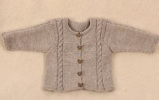 Baby shirt with tiny twists - Family Journal Knitting For Kids, Baby Knitting Patterns, Chrochet, Knit Crochet, 4 Kids, Baby Kids, Little People, Little Girls, Baby Born