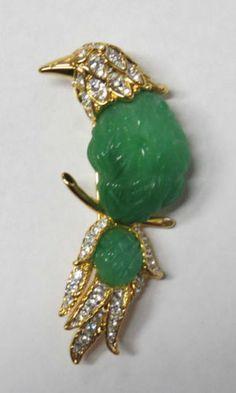 1970s-Nolan-Miller-Faux-Jade-Bird-Pin-Brooch-Gold-tone-w-Clear-Rhinestones