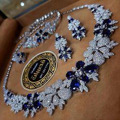 Indian Gold Jewelry Near Me Ruby Jewelry, Sapphire Jewelry, India Jewelry, Wedding Jewelry, Gold Jewelry, Jewelry Necklaces, Fine Jewelry, Jewelry Sets, Glass Jewelry