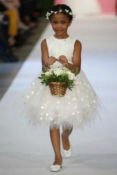flower_girl_ Oscar de la renta