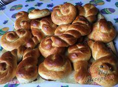 Nejlepší recepty pro sváteční příležitosti – sváteční pečení, různé druhy receptů | NejRecept.cz Thing 1, Pretzel Bites, Amazing Cakes, Sausage, Bread, Baking, Food, Sausages, Brot