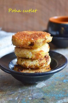 Poha cutlets: delicious and filling cutlets that are healthy too, these make an excellent finger food or after school snack for kids and toddlers,recipe @ http://cookclickndevour.com/2014/09/poha-cutlet-recipe.html