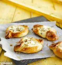 Rahkapulla | Kotivinkki Brioche Recipe, Lassi, Bagel, Baked Potato, Baking Recipes, Muffin, Bread, Cooking, Breakfast