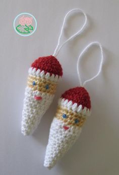 Amigurumi Santa Ornament...These are so cute; and would look great hanging from my Christmas tree!...Thanks so much for sharing the pattern!