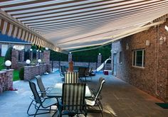 The Total Eclipse – Commercial grade construction that provides you maximum shade at the touch of a button