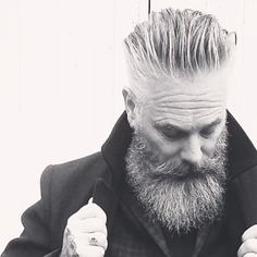 Hipster Haircut For Men Hipster Haircuts For Men, Hipster Hairstyles, Beard Styles For Men, Hair And Beard Styles, Beard Images, Beard Haircut, Beard Fade, Grey Beards, Men With Grey Hair
