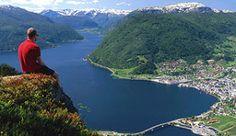Uitzicht over Sogndal, Noorwegen - Foto: Destination Sogndal & Luster/Finn Loftesnes