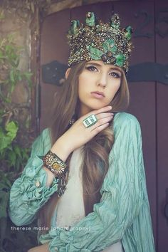 Crowns & jewelry designed and handmade by Lisa Marinucci / Photography Therese Marie Photography/ Model : Julia Zeigenbein  /MUAH : Markuz Royale /Clothing: Duet Laguna Beach