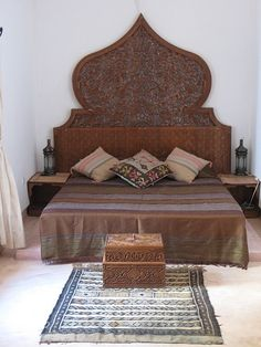 Moroccan Bedroom 18 Decorating Ideas - decorate headboard to look carved, decorative box at end of bed for dog bed/storage