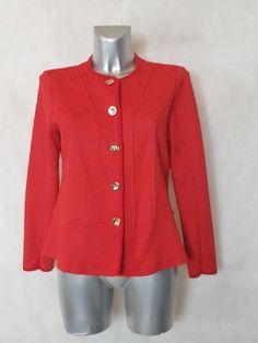 Veste rouge avec motif graphique ton sur ton Sweaters, Dressing, Fashion, Curvy Girl Fashion, Moda, La Mode, Pullover, Sweater, Fasion