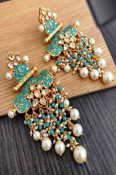 Indian Jewellery - The beauty of Indian jewelry not only lies in the uniqueness of its design but also the efforts of - Indian Jewelry Earrings, Jewelry Design Earrings, Indian Wedding Jewelry, Ear Jewelry, Bridal Jewelry Sets, Indian Accessories, Antique Earrings, Bridal Jewellery, Earrings