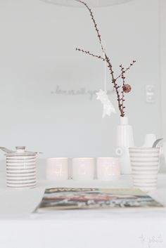 ♥ simple decoration in white