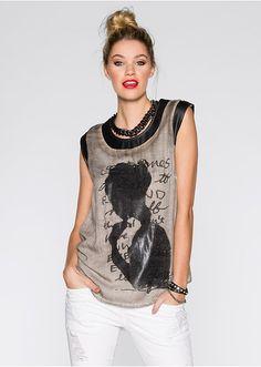 c5a8f318a2 A(z) Clothes nevű tábla 48 legjobb képe | Neckline, Chic clothing és ...