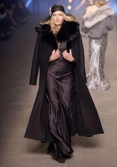 Tatjana Patitz http://www.vogue.fr/mode/mannequins/diaporama/les-mannequins-du-numero-de-novembre-2012-de-vogue-paris/10440/image/641607#tatjana-patitz-inez-amp-vinoodh-vogue-paris-novembre-2012