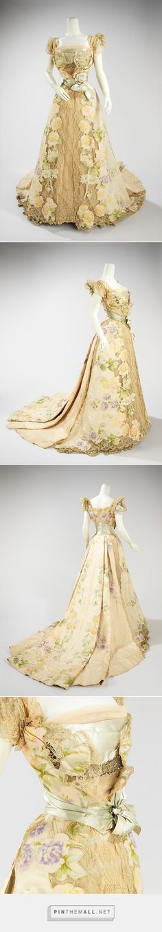 Evening dress, House of Worth, 1902 it is easy to understand why so many Worth gowns still exist. 1900s Fashion, Edwardian Fashion, Vintage Fashion, Edwardian Era, Moda Vintage, Historical Costume, Historical Clothing, Historical Dress, Old Dresses