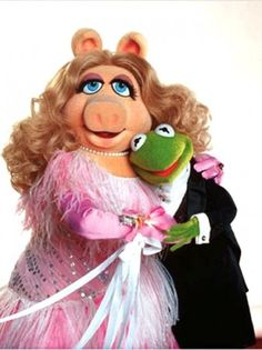 MISS PIGGY AND KERMIT