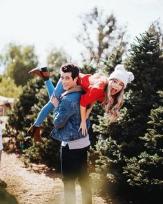 Couple Goals Relationships, Cute Relationship Goals, Dylan Sprouse, Couple Posing, Couple Shoot, Silly Couple Pictures, Couple Photography, Photography Poses, Tumblr Couples