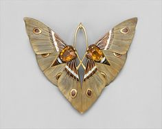 "inspiringdresses:Lucien Gaillard's ""Moth"" Pendant and Box, ca. 1900, FrenchMet Museum triciawarden…"