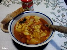 Hungarian Recipes, Hungarian Food, Thai Red Curry, Chili, Food And Drink, Soup, Eat, Ethnic Recipes, Oreos