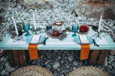 mint_las_tres_sillas_alquiler_boda Table Decorations, Furniture, Home Decor, Wedding Decoration, Chairs, Decoration Home, Room Decor, Home Furnishings, Home Interior Design