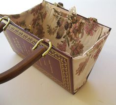 inside the book purse. One thing is certain, sunglasses will probably not get smashed in this purse!