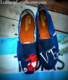 I want these Toms so bad! Marines Girlfriend, Wife And Girlfriend, Marine Boyfriend, Hand Painted Toms, Painted Canvas Shoes, Infantry Marines, Usmc Clothing, Marines Boot Camp, Marine Love