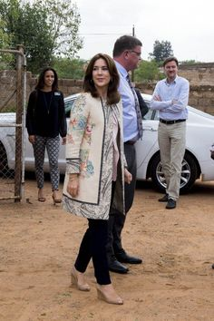 Princess Mary spent her third day in South Africa in Johannesburg where she visited the Brothers for Life Association and visited a clinic. 4 Nov 2014