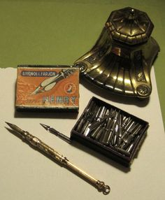 Vintage writing kit at its best.
