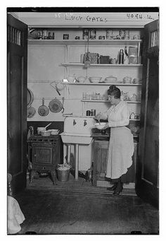 Anatomy of an Old-Fashioned Kitchen: Basins, pots, pans, and tools were often hung up on the wall. Julia Child famously had hers hanging on a huge pegboard. Vintage Pictures, Old Pictures, Old Photos, Old Kitchen, Vintage Kitchen, Kitchen Ideas, Kitchen Stuff, Old Fashioned Kitchen, Victorian Kitchen