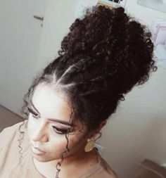 Demystifying natural hair Joining the natural hair community is very nerve-wracking. Unlike with permed or relaxed hair where you don't necessarily show your hair much care natural hair Black Girl Curly Hairstyles, Fringe Hairstyles, Long Curly Hair, Afro Hairstyles, Curly Hair Styles, Trending Hairstyles, Curly Afro, Straight Hairstyles, Braids For Curly Hair