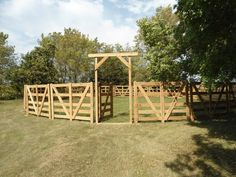 love this DIY round pen. would need to be larger for our horses :-)