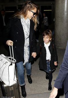 Like mother, like daughter: Jessica Alba and her daughter Honor matched as they arrived in Los Angeles from Paris | Find matching styles at meNmommy.com