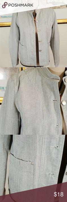 ISAAC MIZRAHI DENIM JACKET💥 Isaac Mizrahi grey denim jacket. Herringbone pattern.  Button down to closure.  3 pockets, button at cuffs.  100% cotton.   Excellent condition. Isaac Mizrahi Jackets & Coats Jean Jackets