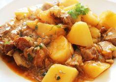 Жаркое по-домашнему из свинины с картошкой Beef And Potato Stew, Beef And Potatoes, Stewed Potatoes, Slow Cooker Soup, Slow Cooker Recipes, Beef Recipes, Cooking Recipes, Healthy Soup Recipes, Easy Chicken Recipes